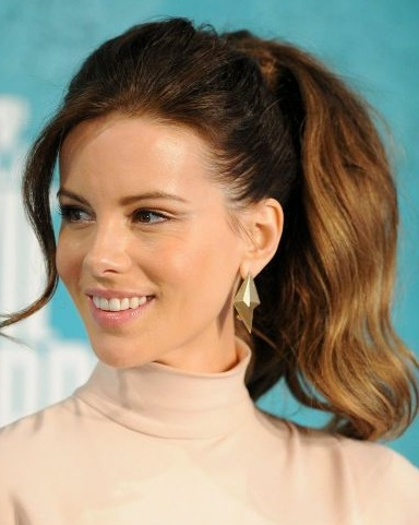 Kate Beckinsale Ponytail - SalonAddict.co.uk