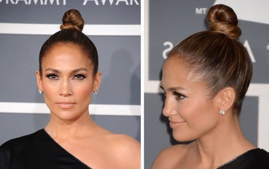 This diva also went for a sleek hairstyle however jennifer opted for